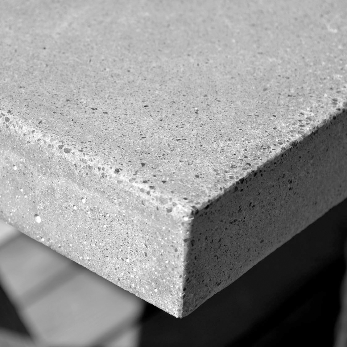 Slipa betong bänkskiva